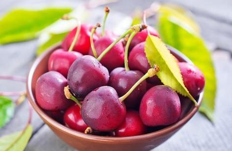 想补血该吃哪些水果 和小编一起看看补血食物