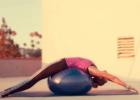 孕妇使用瑜伽球的好处 孕妇怎么使用瑜伽球