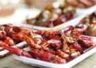 清洗小龙虾的技巧 吃小龙虾的危害有哪些