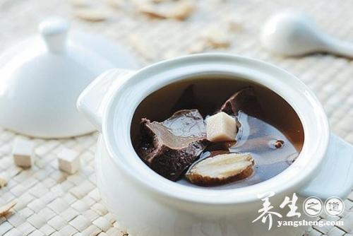 春季养生汤 四汤法帮你补血健脾调节阳气