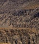 穿越沟壑纵横的萨拉