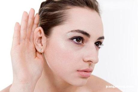 耳垂有硬块怎么回事 谨防耳垂粉瘤感染
