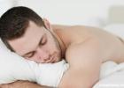男人喜欢趴着睡当心生不了孩子