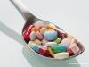 躺着服药会得癌 揭服药的6种常见误区