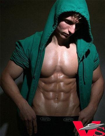 四大法宝让你成就男人性感胸肌