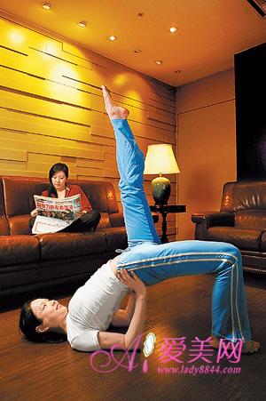 睡前健身瑜伽动作 缓解疲劳有效治疗失眠