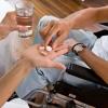 服用药片注意了小心谋害了食管