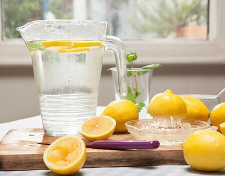 女性天然美容保健水 - 普瑞健康
