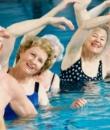 好处惊人!在水里做这事男女的身体更健康