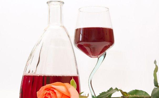 荔枝和红酒能一起吃吗?荔枝和红酒一起吃好吗?(4)