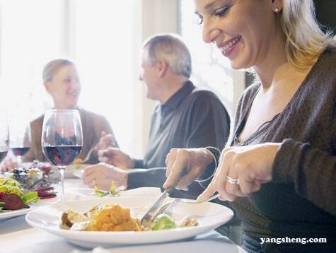 """会""""挨饿""""的人身体好 6个时刻想吃要忍住"""