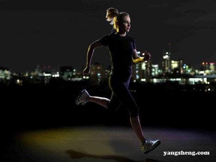 夜跑最减肥 但你要注意这些问题