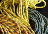 户外登山者登山绳的保养