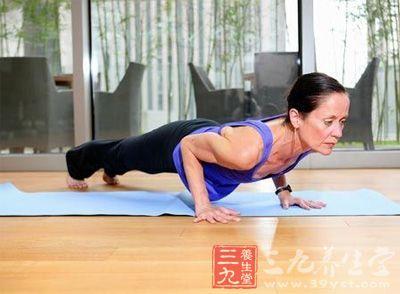 瑜伽常识 大受欢迎的床上瑜伽减肥动作